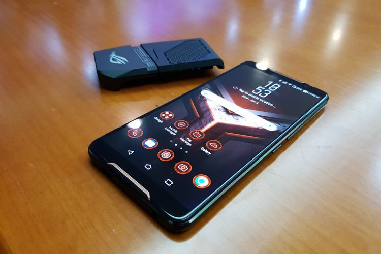 ASUS RESMIKAN ROG PHONE, PONSEL GAMING PESAING XIAOMI BLACK SHARK
