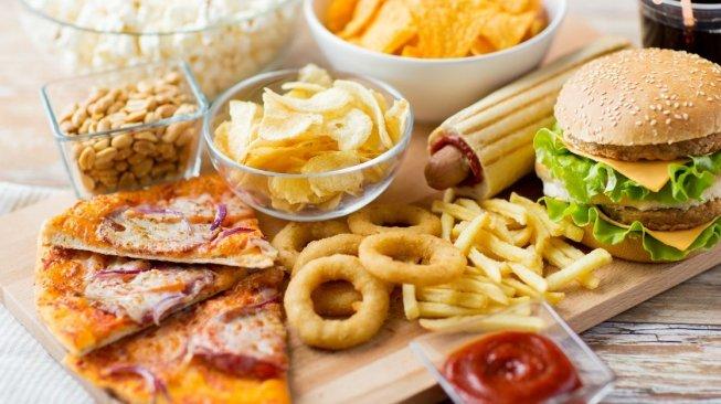 BERAPA LAMA WAKTU OLAHRAGA UNTUK BAKAR KALORI DARI JUNK FOOD
